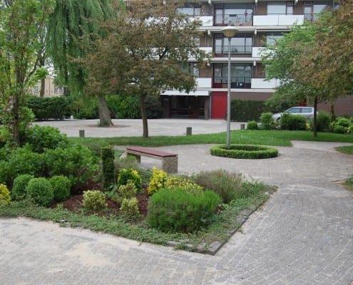 VVE binnentuin flat stadstuin bestrating herbestraat 5